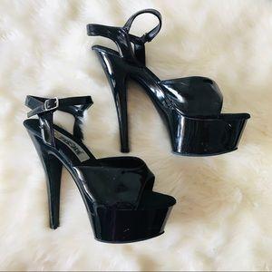 """Shoes - Fantasma Black 2"""" platform heels size 7.5 in GUC"""